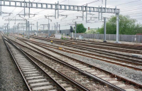 Business and community groups call on government to kick-start rail electrification to meet 2040 rail decarbonisation target.